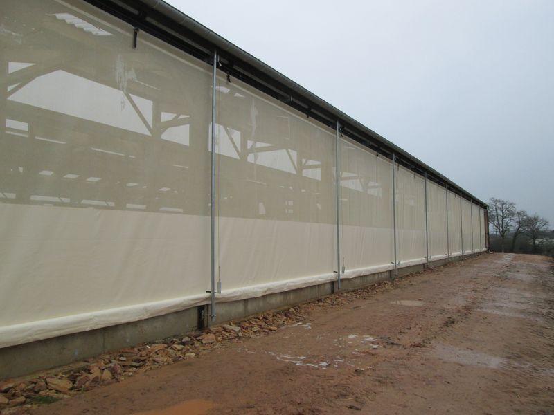 rideau de ventilation abondance filet brise vent agricole. Black Bedroom Furniture Sets. Home Design Ideas