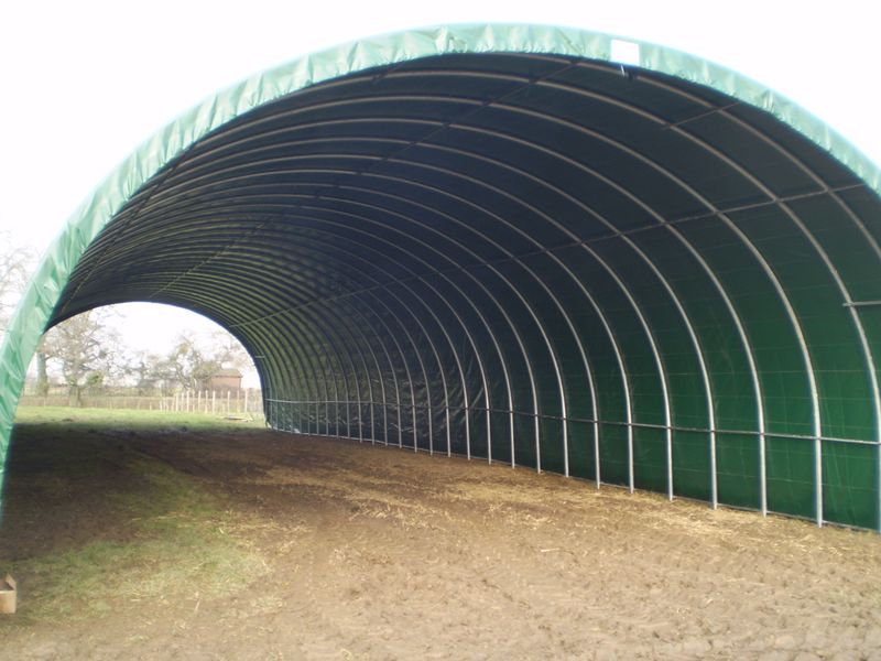 tunnel-stockage-agricole-monastere-5